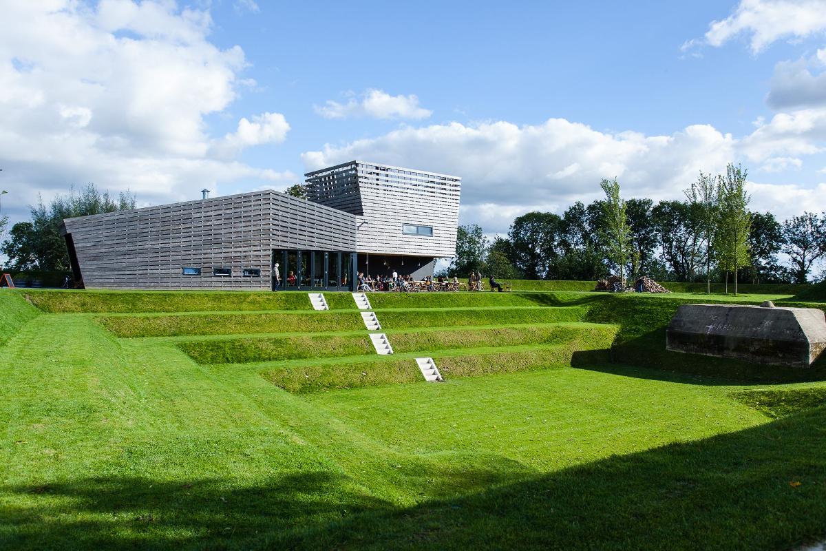 Werk aan het Spoel amfitheater als grassculptuur ©JordVisser