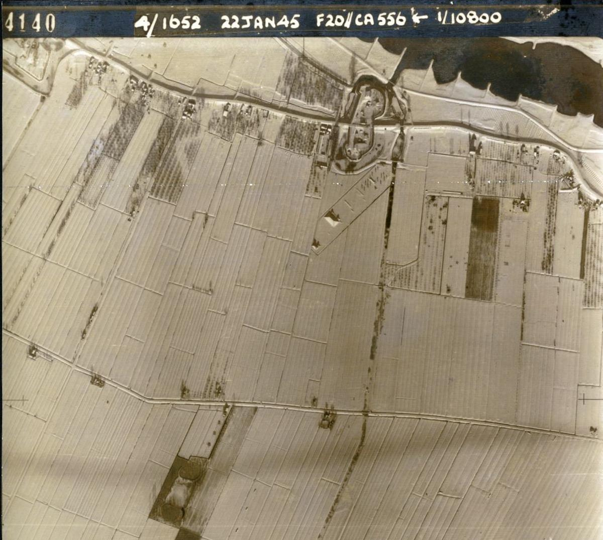 Werk aan het Spoel in de sneeuw - Luchtfoto januari 1942 geallieerden
